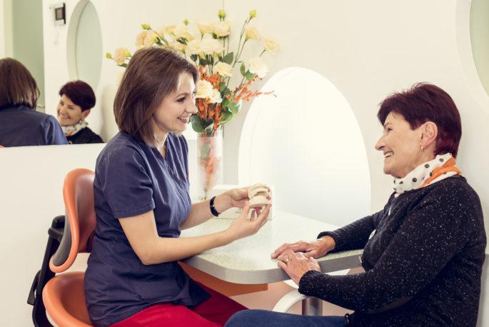 Estetika - proteza na implantach